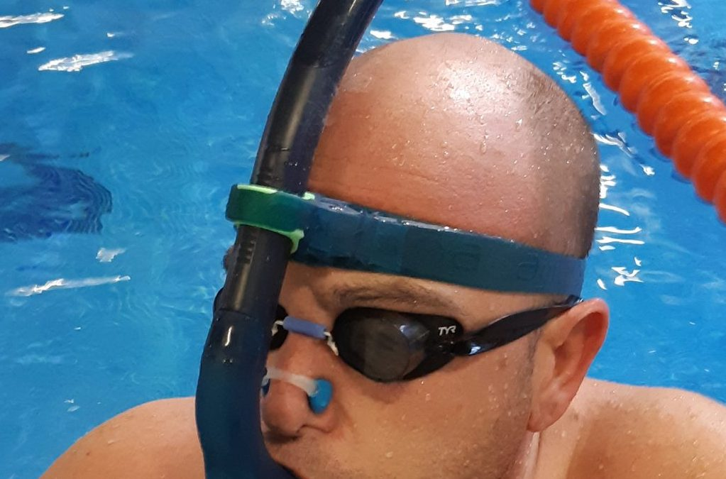 Cómo respirar en natación, evitar cansarse y que entre agua por la boca